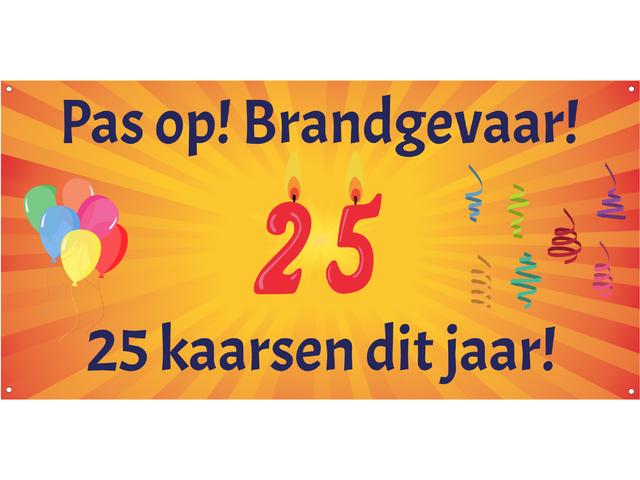 25 kaarsen dit jaar!